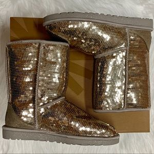 UGG CLASSIC SHORT SILVER SEQUIN BOOTS SIZE 6 NIB